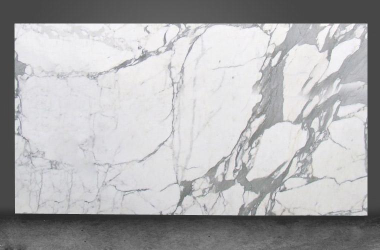 Bianco carrara statuario go plus for Color marmol carrara